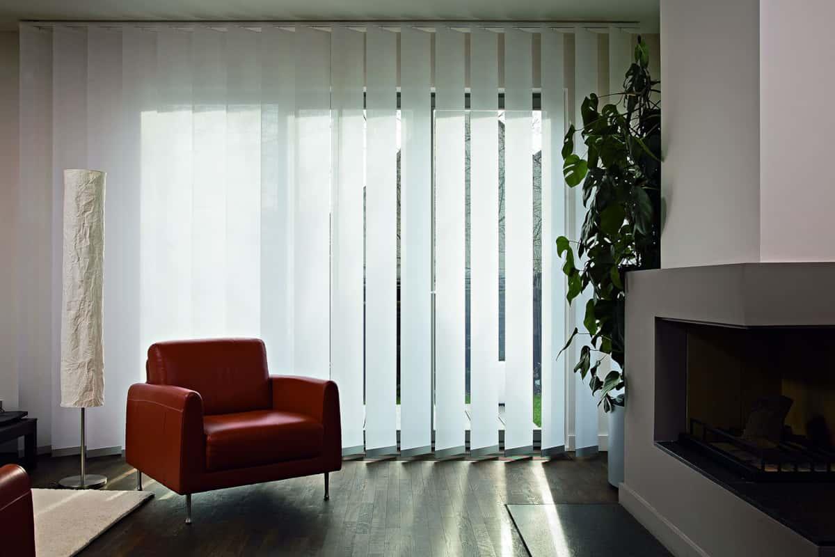 vertikal jalousien indoorstoren produkte triet storen ag buchs sg und ruggell fl. Black Bedroom Furniture Sets. Home Design Ideas